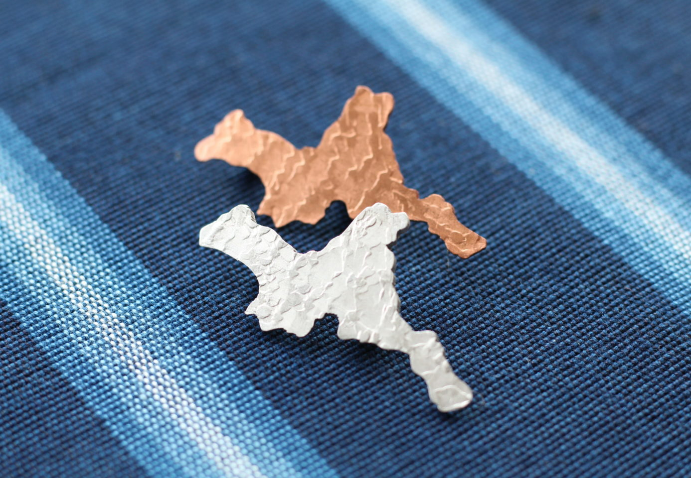 三重県バッチアルミ、銅