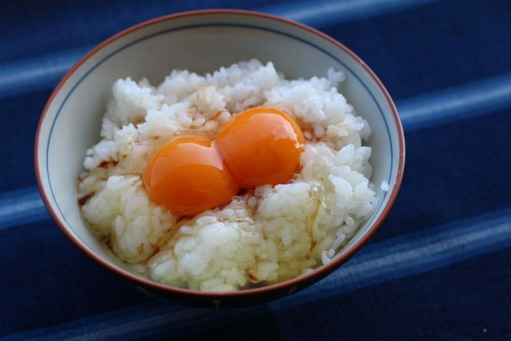 伊賀焼土鍋かまどさん_卵かけご飯1