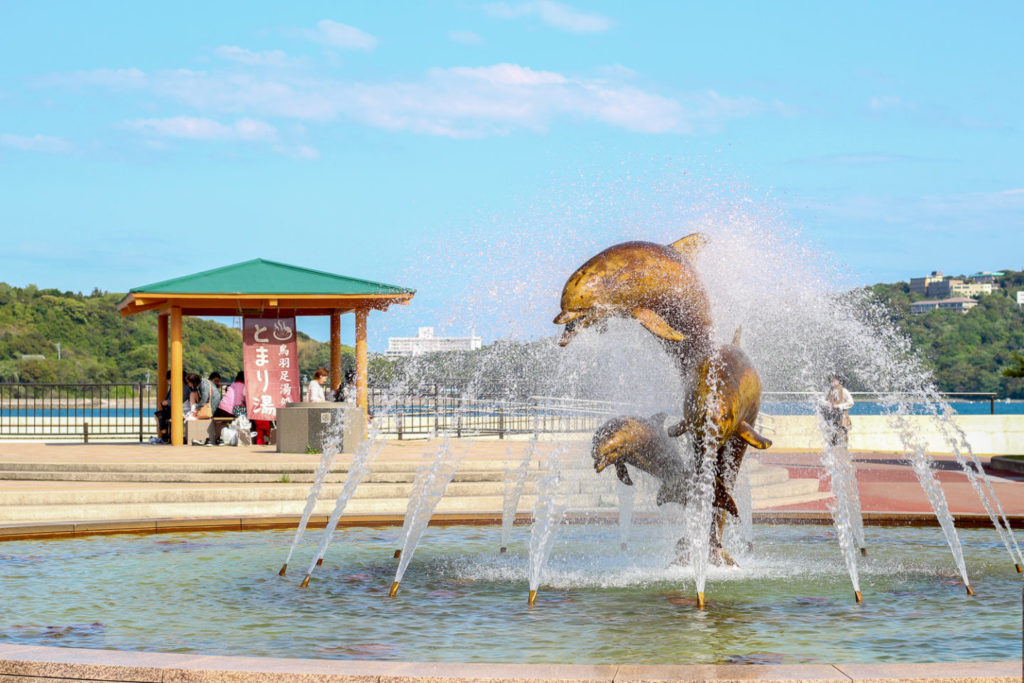 イルカ噴水2