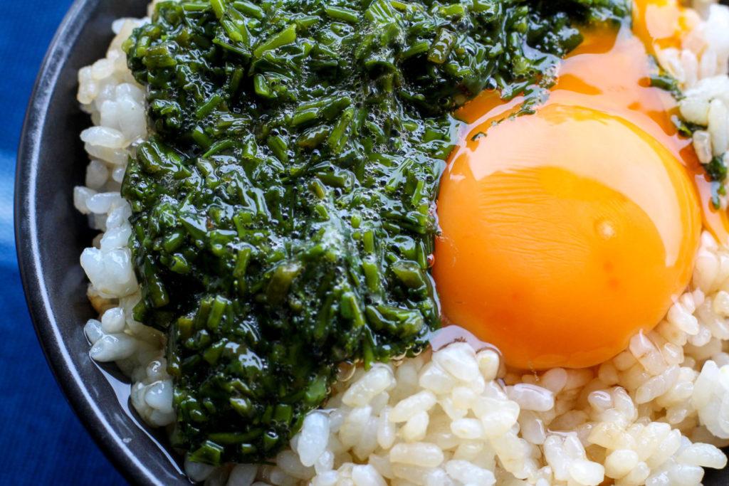 三重県鳥羽市菅島 風の島フーズ アカモク卵かけごはん2