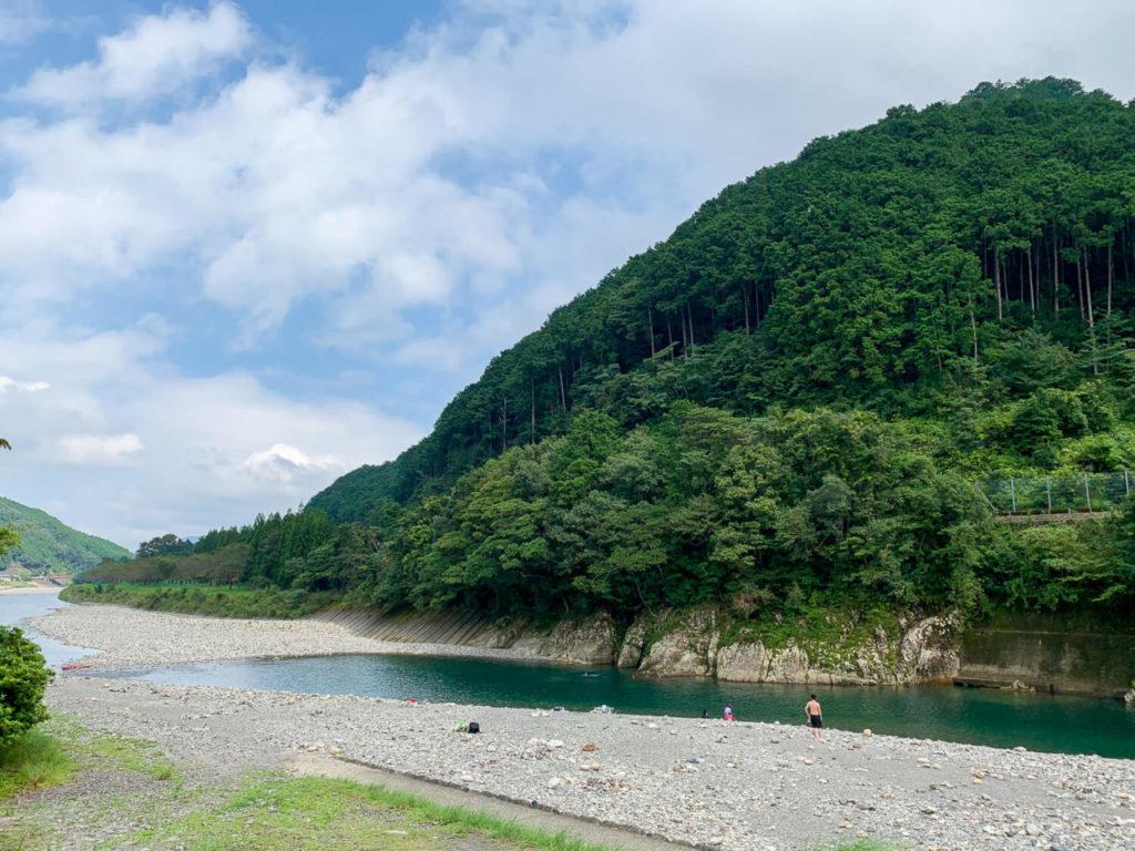 銚子川付近 観光スポット 種まき権兵衛の里 平尾 銚子川の様子