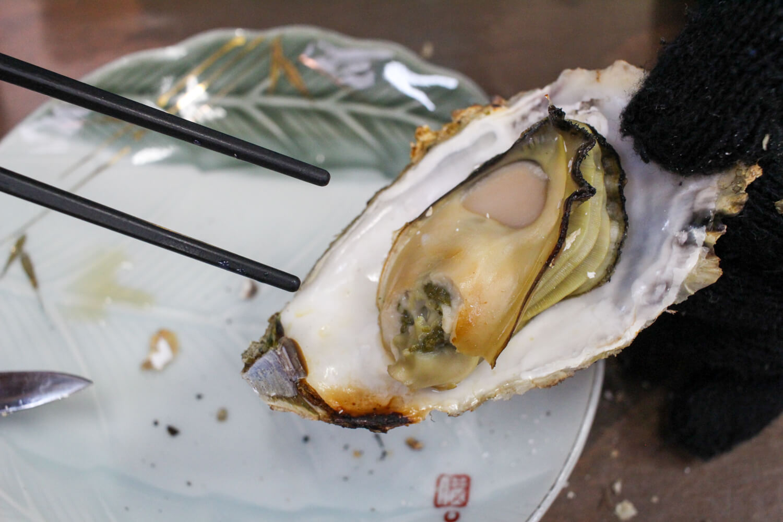 鳥羽答志島桃取町の牡蠣小屋優良水産10