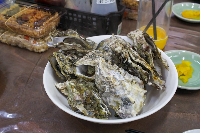 鳥羽答志島桃取町の牡蠣小屋優良水産11