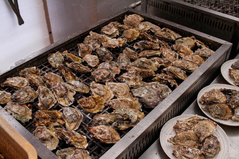鳥羽答志島桃取町の牡蠣小屋優良水産2