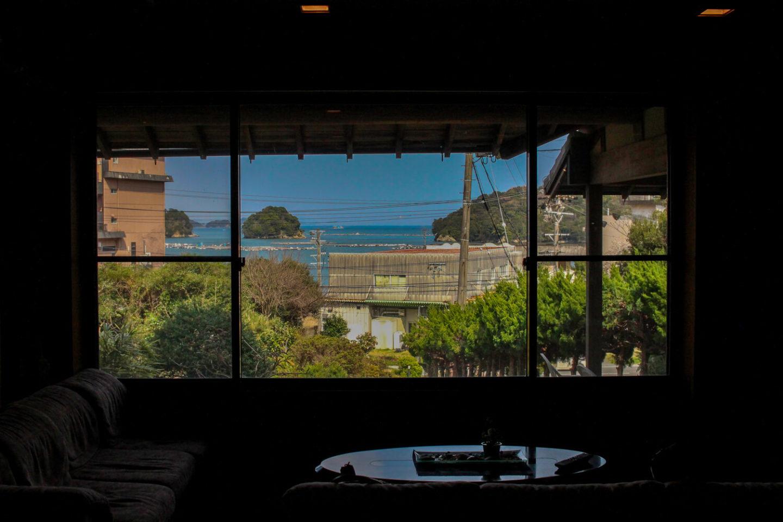 鳥羽小浜荘 エントランス窓